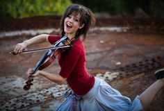 Wallpaper brunette, smile, violin, music, street, Lindsey Stirling desktop wallpaper » Girls » GoodWP.com