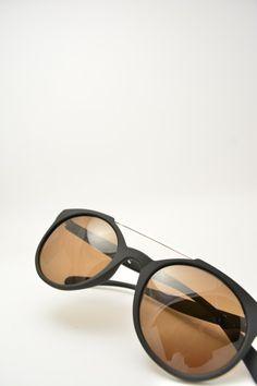 Logos LEONE black matte sunglasses #sunglasses #logos #roundshape #blackmatte #bassanodelgrappa #blacksolid #goldenbridge #designglasses #design #cheap online store at www.bassanooptical.com