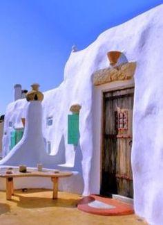 Mykonos, Greek islands, luxury villa for sale; Mykonos Villas, Mykonos Greece, Beautiful Villas, Beautiful Places, Earthy Home, Go Greek, Inside Outside, Luxury Holidays, Its A Wonderful Life