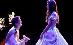 Así pide la mano un príncipe azul