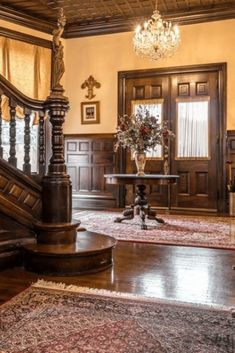 1888 Historic Mansion For Sale In Louisville Kentucky — Captivating Houses Mansion Interior, Luxury Homes Interior, Home Interior Design, Mansion Bedroom, Interior Livingroom, Victorian Style Homes, Victorian Farmhouse, Victorian Bedroom, Victorian Interiors