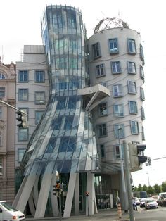 The Dancing House on the riverfront of the Vlatva River in Prague, Czech Repbulic, designed by Frank Gehry in co-operation with Vlado Milunić