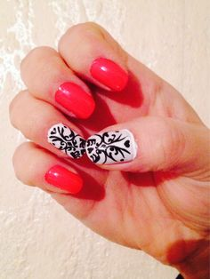Awesome Stunning White Nail Art Designs http://www.designsnext.com/?p=33075