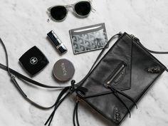 「what's in my mini bag balenciaga canvas」の画像検索結果