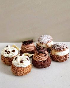 Good Bakery, Best Bakery, Unique Desserts, Delicious Desserts, Yummy Food, Salted Caramel Cake, Decadent Cakes, Eclairs, Profiteroles