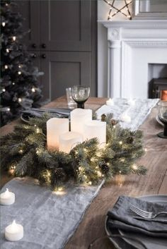 DECORATION DE NOËL 5 simple ideas to sublimate your Christmas table on www.fr - Decocrush Professional Photography Today, there . Christmas Lights, Christmas Tree, Xmas Table Decorations, Shades Of Burgundy, Wedding Album, Outdoor Photography, Diy Gifts, Holiday Decor, Simple