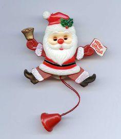 Vtg XMAS Christmas Santa Moveable Limbs Molded Plastic Brooch Pin Pull String #NotMarked