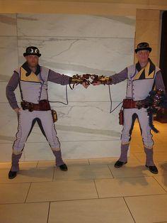 Steampunk Wonder Twins at Dragon*Con 2012 Comic Con Costumes, Cool Costumes, Cosplay Costumes, Steampunk Cosplay, Steampunk Fashion, Steampunk Characters, Wonder Twins, Steampunk Gadgets, A Comics