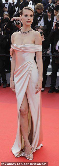 Old Hollywood Waves, Kimberley Garner, Full Length Skirts, Nude Dress, Cannes Film Festival, Her Style, Dress To Impress, Supermodels, Celebs