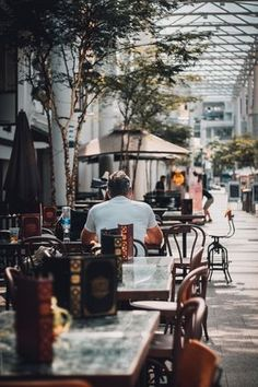 Restaurant table booking verification - Restaurants and Restaurant Bookings Cafe Pictures, Restaurant Pictures, Best Funny Pictures, Restaurant Bar, Coffee Shop Aesthetic, Office Waiting Rooms, Soft Chair, Hotels, Wayfair Living Room Chairs