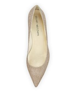 STUART WEITZMAN Largo Patent Low-Heel Pump. #stuartweitzman #shoes #pumps