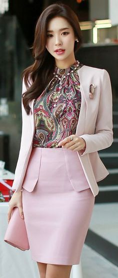 Light pink suit with a printed top for office - LadyStyle
