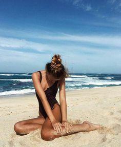 ♡ On Pinterest @ kitkatlovekesha ♡ ♡ Pin: Photography ~ Summer Sitting on the Beach ♡