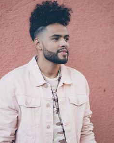 We bring you 8 of the most stylish and easy fade hairstyles that are sure to level up your hair game. Natural Hair Men, Long Curly Hair, Natural Hair Styles, Cool Haircuts, Haircuts For Men, Hair And Beard Styles, Curly Hair Styles, Mens Hairstyles Fade, Men Hair Color