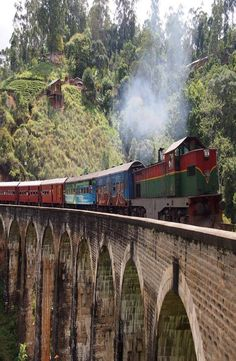 9 Arch Bridge in situated in the green hill town of Ella in Sri Lanka. How to get to 9 Arch Bridge, 9 Arch Bridge price and best time to visit 9 Arch Bridge Arch Bridge, Cheap Web Hosting, Sri Lanka, Places To Go, Drive Way, Adventure, Viajes