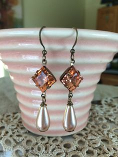 Vintage Czech glass earrings featuring 10mm square rosaline pink jewel plus vintage peach glass pearls.  Tilliegirlstudio