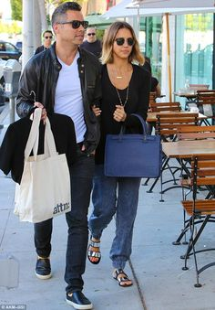 Celebration! Jessica Alba was spotted making her way to Tomoko Japanese Spa with her husba...