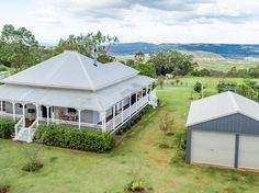 This Crows Nest Colonial Sold for Less than $500,000! - Queenslander Homes Queenslander House, Colonial Cottage, Big Houses, Dream Houses, Farm Houses, Beach Houses, Australian Homes, Australian Country Houses, Australian Farm