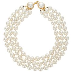 CHANEL VINTAGE Chanel Pearl Necklace (€1.145) found on Polyvore