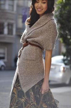 Anh of 9-to-5 Chic wears chunky knits so well!