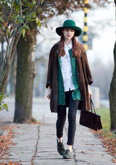 chinchilla love. matching green wide brim hat and open jumper.