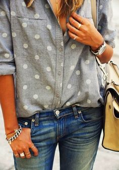Casual polka dot button down. Casual and polka dots. Mode Outfits, Fall Outfits, Casual Outfits, Casual Shirt, Party Outfits, Classic Outfits, Looks Style, Style Me, Classy Style