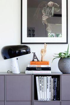 Anders dan een gewone tafellamp: de Snoopy van Flos. Charmant en compact #verlichting #lichtpunt #marmer