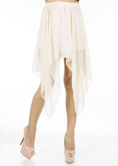 Fusta Dama Veil Beige  Fusta dama, vaporoasa, potrivita pentru zilele calduroase de vara. Design interesant ce va va face cu siguranta remarcata.     Lungime: 73cm  Lungime fata: 37cm  Latime talie: 35cm  Compozitie: 100%Poliester Ballet Skirt, Skirts, Design, Fashion, Moda, Tutu, Fashion Styles, Skirt