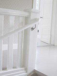 hall pärlspont - Sök på Google New England Hus, Loft Railing, Old Country Houses, House By The Sea, Swedish House, Attic Rooms, House Stairs, Home Wallpaper, White Houses