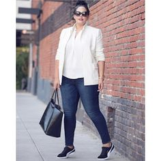 FASHION WORK : 👉🏻¡Tips y looks para el cuerpo OVALADO! 💥 Plus Size Looks, Curvy Plus Size, Plus Size Casual, Curvy Outfits, Casual Outfits, Fashion Outfits, White Blazer Outfits, Casual Jeans, Womens Fashion