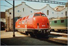 Am 17. März 1993 steht die SBB Am 4/4 18467 vor dem Depot in Lausanne. (1200px Version)