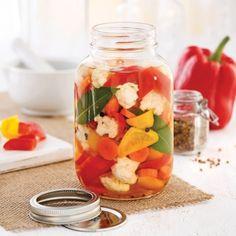 Servez ces légumes marinés en accompagnement ou faites-en un antipasto gratiné!