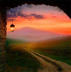Spegni la lampada fumante nell'angolo della stanza. Sul cielo d'oriente è fiorita la luce dell'universo: è un giorno lieto. Sono destinati a conoscersi tutti coloro che cammineranno per strade simili.  Tagore