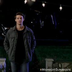 Rakastuminen, kun sitä vähiten odottaa, on taianomaista  Midnight Sun nyt elokuvateattereissa  Pääosissa Bella Thorne ja Patrick Schwarzenegger! ✨ Swaippaa Instagram-postauksessa ja skannaa Snapchattiin Midnight Sun-linssi käyttöösi  #MidnightSun #MidnightSunElokuva #BellaThorne #PatrickSchwarzenegger #rakkaus #romanssi #elokuva #leffa #nordiskfilmfinland Patrick Schwarzenegger, Cute Cross Stitch, Midnight Sun, Cute Actors, High School Musical, Bella Thorne, Normal Life, Edward Styles, Series Movies
