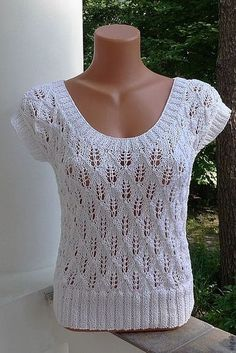 Blouses are simple, but look great - DiyForYou Sweater Knitting Patterns, Lace Knitting, Knitting Stitches, Knit Patterns, Crochet Blouse, Crochet Lace, Blouse En Coton, Summer Knitting, Knit Fashion