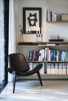 String Shelving System and Shell Chair by Hans Wegner Scandinavia Design, Living Spaces, Living Room, Mid Century Modern Design, Style At Home, Home Fashion, Apartment Living, Home And Living, Simple Living