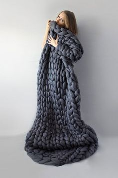 Astounding Sew A Weighted Blanket Ideas. Enchanting Sew A Weighted Blanket Ideas. Crochet For Beginners Blanket, Crochet Blanket Patterns, Knitting Patterns, Knitting Ideas, Crochet Afghans, Crochet Stitches, Chunky Blanket, Chunky Yarn, Giant Knit Blanket