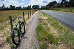 https://flic.kr/p/DMo8U8 | Gravel Grinding Beside Horahora Rd | Waikato River Trails: Karapiro Section www.waikatorivertrails.com