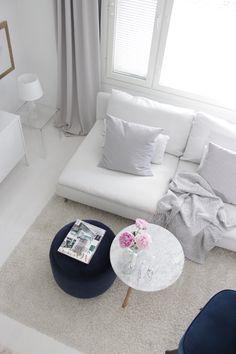 Monochrome Interior, Interior Decorating, Interior Design, White Houses, Vanilla, Sweet Home, Black And White, Living Room, Decoration