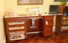 Mueble para máquina de coser- Marilyn en Cereza de Arrow Cabinets