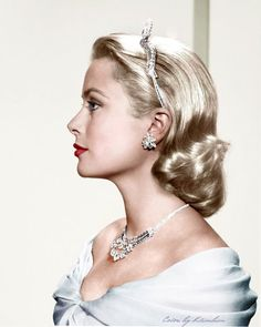 Grace Kelly; view at Vintage Hollywood, Pinterest.