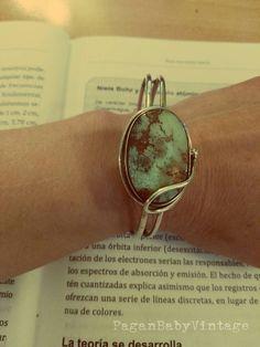 Mira este artículo en mi tienda de Etsy: https://www.etsy.com/listing/278952038/turquoise-sterling-silver-cuff-brazalete