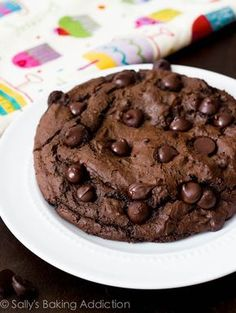 1 XXL Death by Chocolate Cookie - recipe for only 1 huge cookie. Also recipes for other single GIANT cookies. Really great chocolate-y cookie! Giant Cookie Recipes, Cookie Desserts, Giant Cookies, Just Desserts, Delicious Desserts, Dessert Recipes, Yummy Food, Cookie Cakes, Cookie Flavors