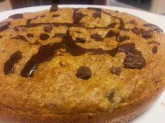 1 REFLEJO EN EL ESPEJO + #VIVESANO +: Bizcocho relleno de platano y pepitas de chocolate fitness
