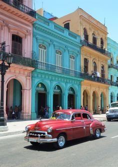 A lovely post about seeing Havana by vintage car. via Why Waste Annual Leave? Cuba Vintage, Top Vintage, Vintage Art, Cuban Cars, Cuba Photography, Annual Leave, Great Buildings And Structures, Modern Buildings, Cuba Travel