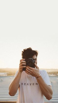 sunset photoshoot Shawn Mendes Updates on - sunset Shawn Mendes Lockscreen, Shawn Mendes Wallpaper, Shwan Mendes, Fangirl, Liam Payne, Niall Horan, Louis Tomlinson, Cute Guys, Celine Dion