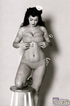 I often see pictures like this, where girls make remarks about being chubby is beautiful too, however, this is not chubby. It's normal. I'm not sure what's giving them the idea that this is chubby but if you look like this, stand tall. You're perfect. Bet