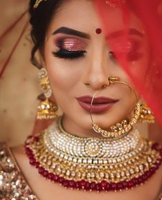 If you are going to be a bride soon and already know what you'll be wearing on your functions, then the next step is getting the perfect wedding makeup. Here are some Indian bridal makeup images to help you pick what you want. Indian Wedding Makeup, Asian Bridal Makeup, Bridal Makeup Looks, Indian Wedding Outfits, Indian Bridal, Indian Makeup, Indian Weddings, Bengali Bridal Makeup, Arabic Makeup