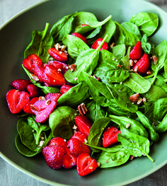 This Fresh Strawberry and Spinach Salad is a perfect potluck dish. This Fresh Strawberry and Spinach Salad is a perfect potluck dish. Easy Summer Salads, Summer Potluck, Summer Salad Recipes, Easy Salad Recipes, Easy Salads, Healthy Recipes, Fruit Salads, Potluck Dishes, Potluck Recipes