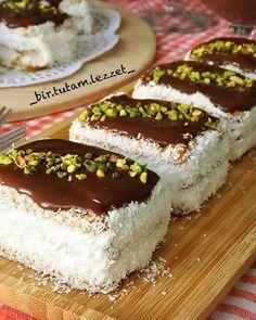Image may contain: food Pasta Cake, Turkish Recipes, Ethnic Recipes, Tiramisu, Oreo, Yogurt, Food To Make, Tart, Turkish Delight